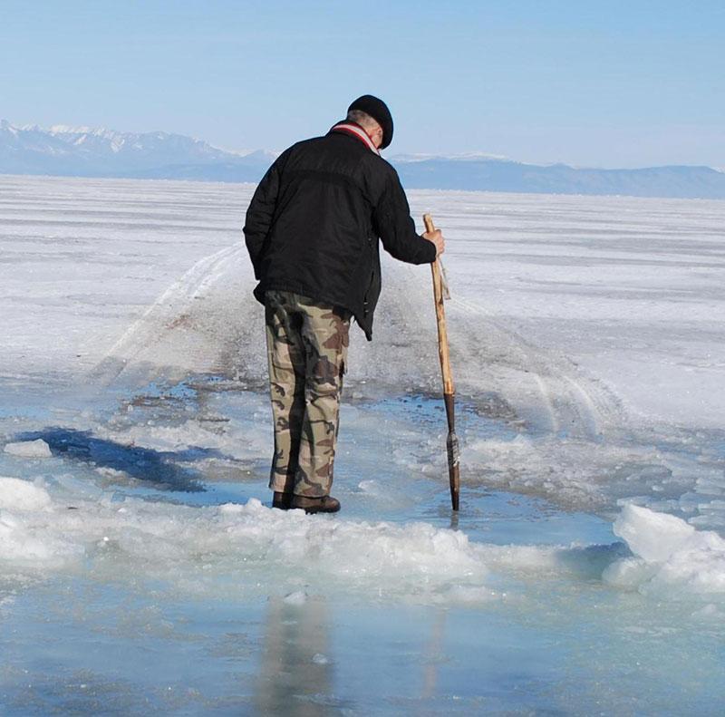 майклс, картинки людей в движении зимой по льду состоит тонких, плоских